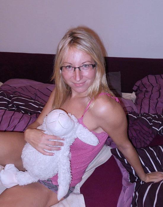 Mélanie (29 ans, Saintes)