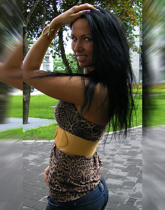 Julia, 27 ans (Troyes)