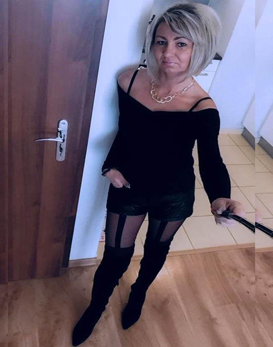 Katie (55 ans, Orléans)